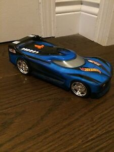 Hot Wheels Sound and Light Up Race Car