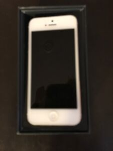 White I-Phone 5, 32 GB, Excellent Condition