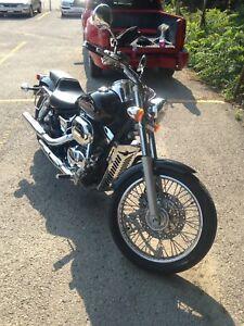 Honda shadow spirt 750$3500trade for 250 or 300 sportbike
