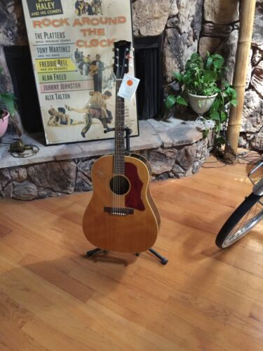 Vintage Gibson Early 1968 J 50 Adj Price Reduced Was $2999. Now $ 2299.