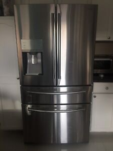 SAMSUNG FRIDGE - SELLING FOR PARTS