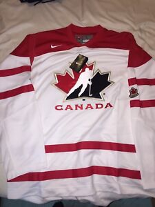 Nike IIHF Team Canada Away Hockey Jersey World Juniors Large