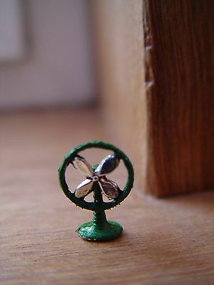 DOLL HOUSE SCALE SMALL 'HAND PAINTED' METAL FAN !! KEEP COOL THIS YEAR !!BUY NOW
