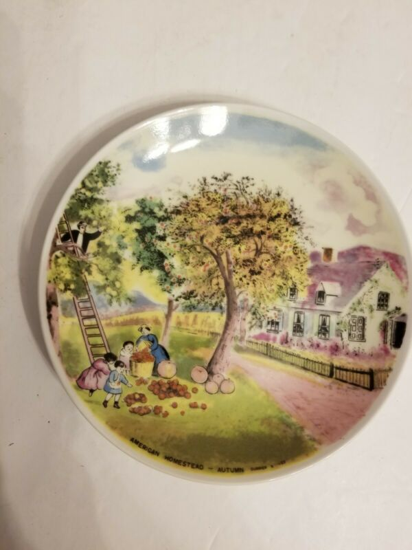 """Vintage 1869 CURRIER & IVES American Homestead """"Autumn"""" Collectors Plate 7"""""""