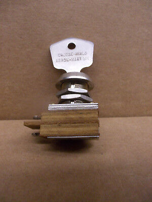 Arrow-hart1561-l Key Switch Spst On-off 3a 250vac Ul Crouse-hinds