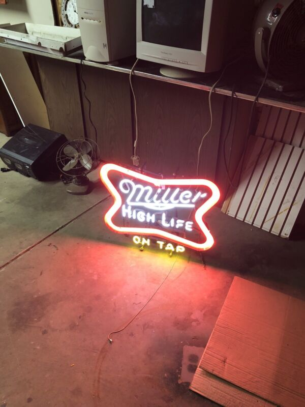 Rare Miller High Life On Tap Neon Beer Sign In Good Working Condition
