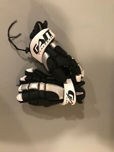 Youth Lacrosse Gloves & Armpads