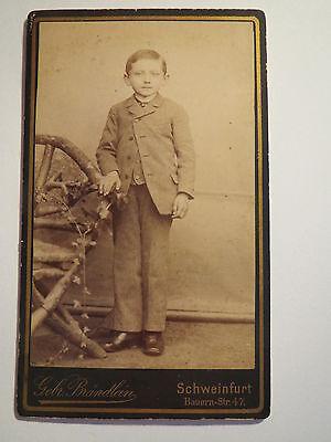 Schweinfurt - stehender Junge im Anzug - Portrait / CDV