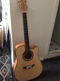 Acoustic Guitar - Cheap & Great Condition