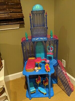 Barbie Diamond Castle Playset and Horse Carriage