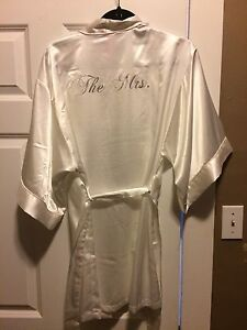 Brand new Mrs.  robe wedding honeymoon robe