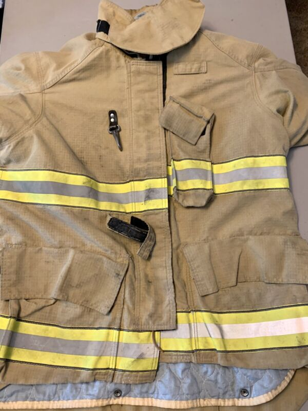 Cairns ReaXtion Turnout Bunker Coat 46 X 32 Used - Great Condition - With DRD.