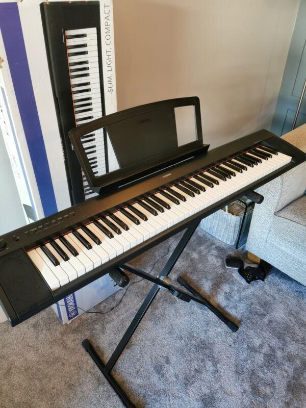 Yamaha piaggero NP-31 Keyboard with stand (boxed)