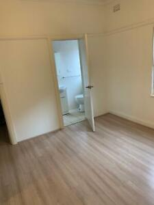 Big Master bedroom in Kingsgrove for rent, close to station