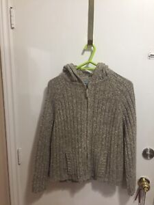 Warm and Cozy! Zippered Wool Hoodie