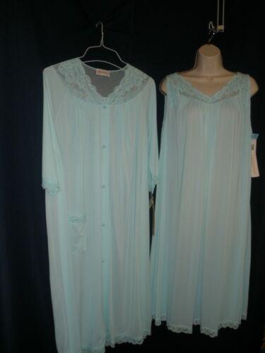 ShadowLine Size L & 1X Sea Foam Nightgown & Robe Set