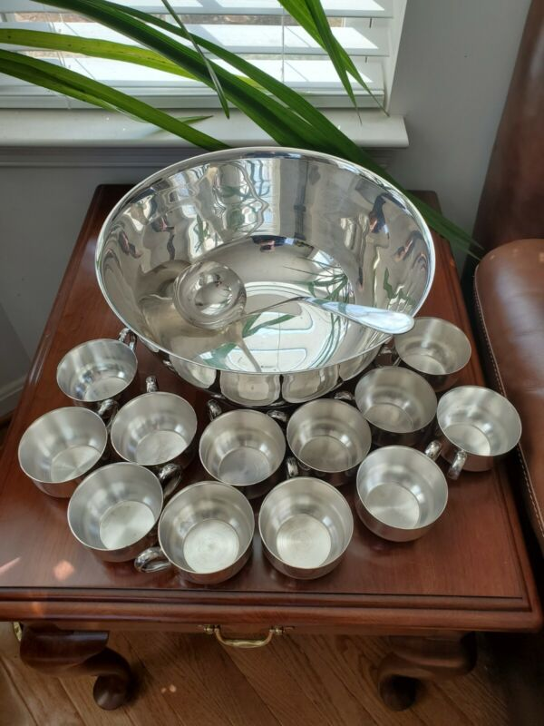 Vintage Oneida Silverplate Punch Bowl 12 Cups Heavy Victor