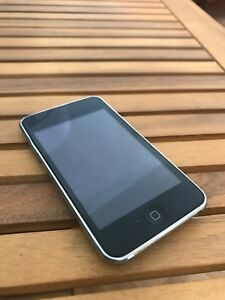 Working iPod Touch 3 32GB (Black)