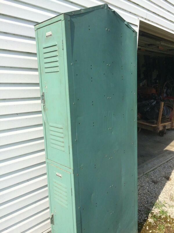 FOUR UNIT TEAL SECTION TALL METAL SCHOOL/GYM/STORAGE/EMPLOYEE/LOCKERS/CABINET
