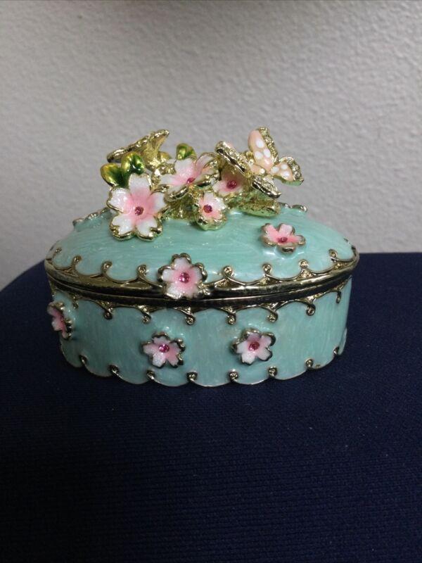 KEREN KOPAL BUTTERFLY FLOWER TRINKET BOX. BEAUTIFUL, CRYSTALS, GIFT, COLLECTION
