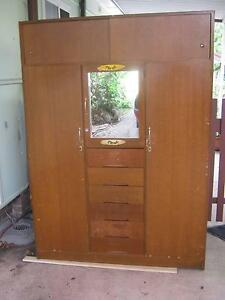 Old wardrobe - circa 1970's Asquith Hornsby Area Preview