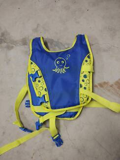 Baby swimming safety vest