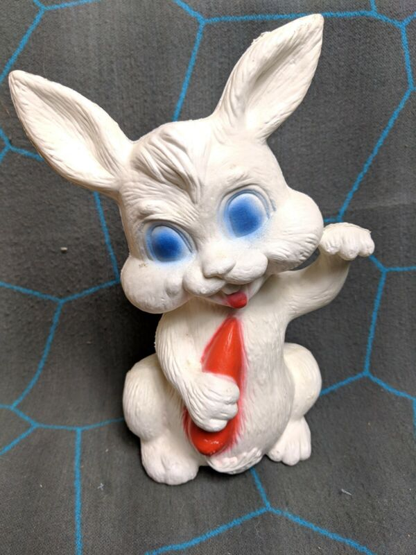 Vintage Easter Bunny Rabbit Carrot Tabletop Lighted Blow Mold Plastic Canada