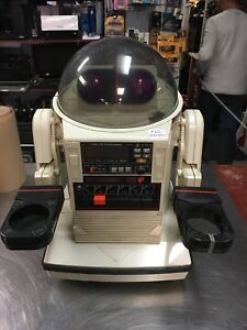 Tomy robot for vintage toy collection or decoration no control