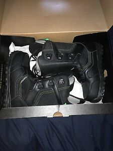 burton snow boarding boot never worn with box