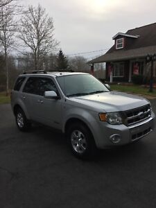 2008XLT Ford Escape loaded