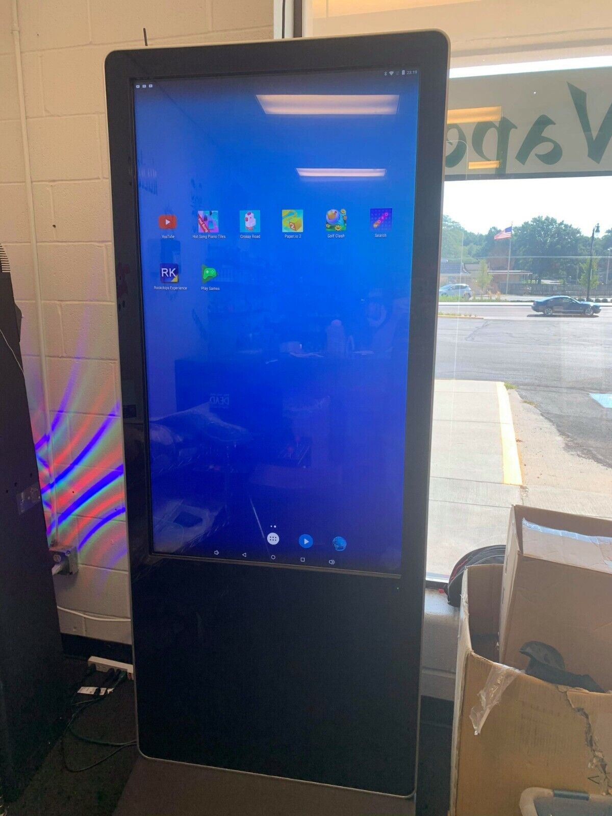Touch Screen 55 Kiosk with Android operating system
