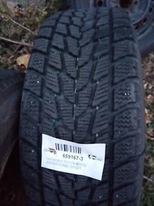 Pneus hiver Toyo et Rims 205/65R15 Négociable