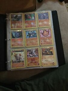 LOT OF POKEMON CARDS