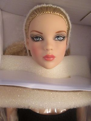 PERFECT MORNING CAMI BLONDE Tonner DOLL 2012 Antoinette Body NO STAND