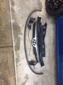 Hyundai i30 Grille + Bumper Pieces