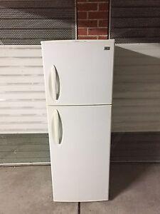 Perfect working LG 340 liter fridge freezer with ice tray Parramatta Parramatta Area Preview