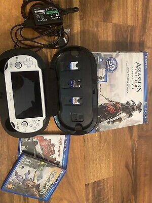 Sony PS Vita -PCH-1001 4GB memory card, White Assassin's Creed 3 Limited Edition