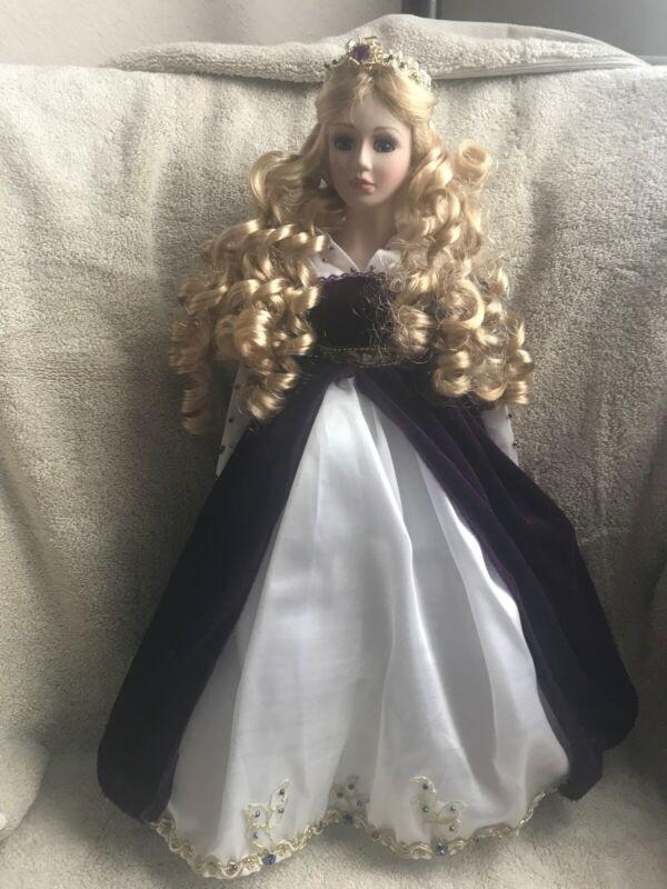 """""""Princess Elizabeth"""" 18"""" Porcelain Doll"""