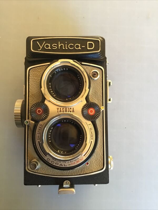 YASHICA-D WHITE LEATHER