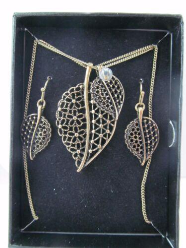 Vintage AVON GOLD LEAF DESIGN NECKLACE, BRACELET & EARRINGS SET, NIB