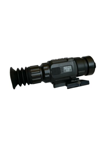Bering Optics Super Hogster Thermal Rifle Scope (Free Spyderco Knife)