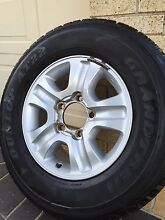 TOYOTA LANDCRUISER SAHARA 17 INCH GENUINE ALLOY WHEEL AND TYRE Carlingford The Hills District Preview