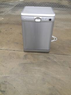 4 Star Energy rating Stainless Steel dishwasher in PWC