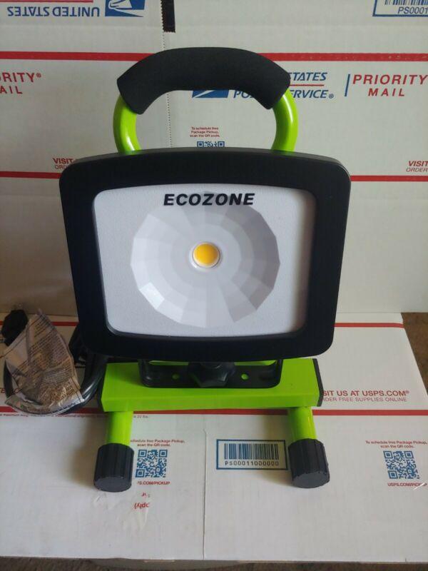 2000 Lumen LED Light Work Shop Home Garage Auto Flashlight L1681 Corded - No Box