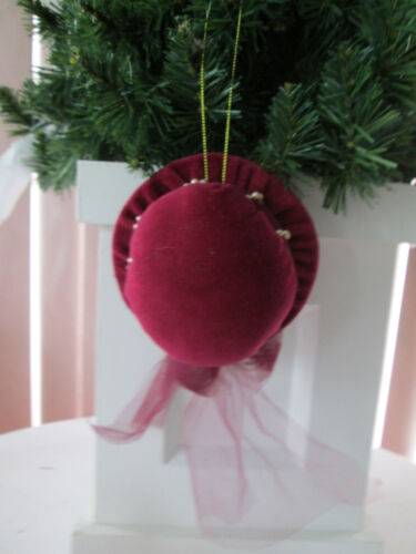 "4.5"" Victorian Cranberry Red Velvet Caroler Hat  Christmas Ornament,w/Pearls New"