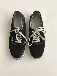 Black and white vans NEED INSOLES  Cambridge Kitchener Area image 1