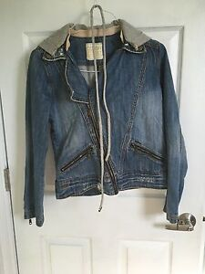 Billabong Jean Jacket in Mint Condition