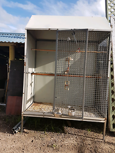 Free stand parrot cage Logan Central Logan Area Preview