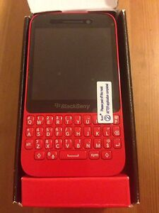 Brand new blackberry q5, limited edition