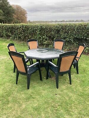 Patio Table & Chairs X6